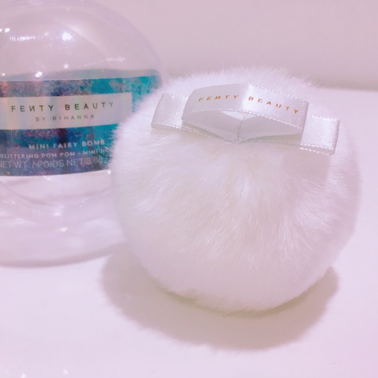 Mini Fairy Bomb Glittery Pom Pom by Rihanna Fenty Beauty Review 2