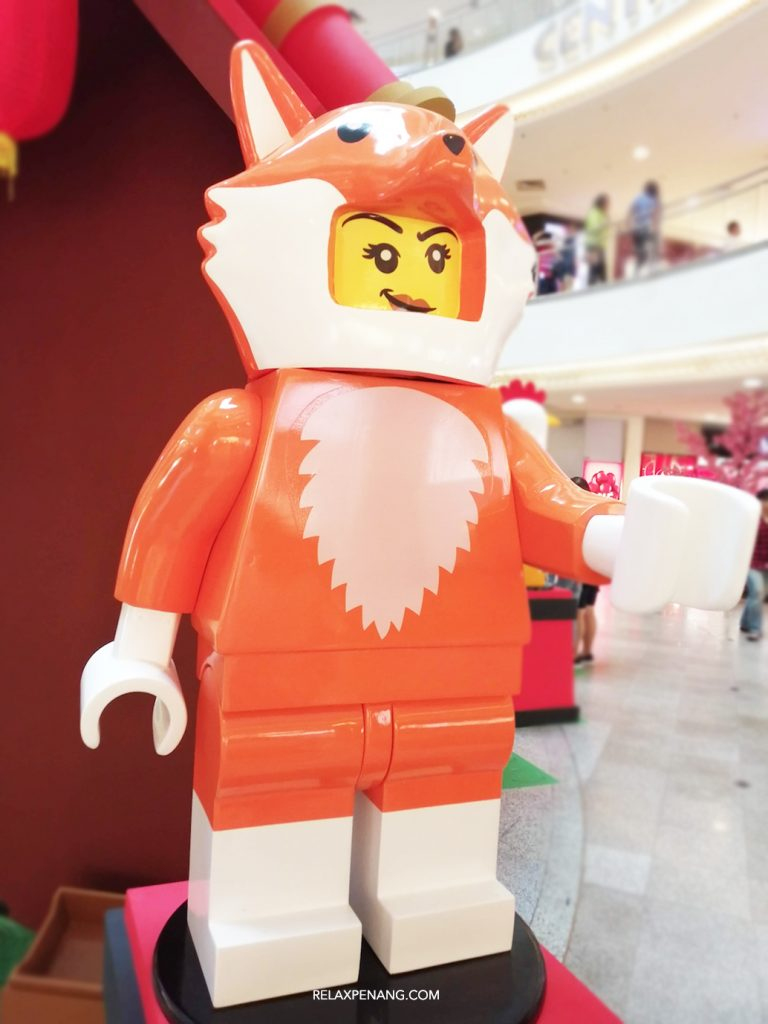 LEGO Lion Dance Dog Life Size Minifigure Chinese New Year Ambient Advertising Decoration
