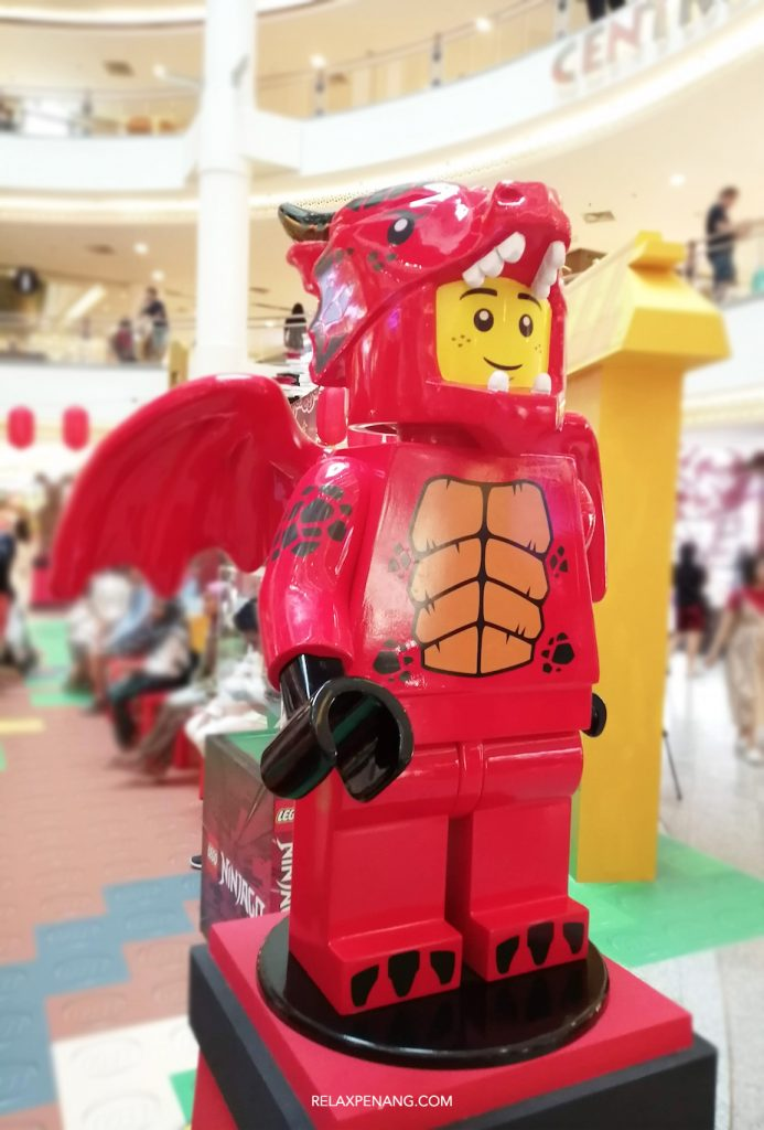 LEGO Lion Dance Dragon Minifigure Life Size Chinese New Year Ambient Advertising Decoration