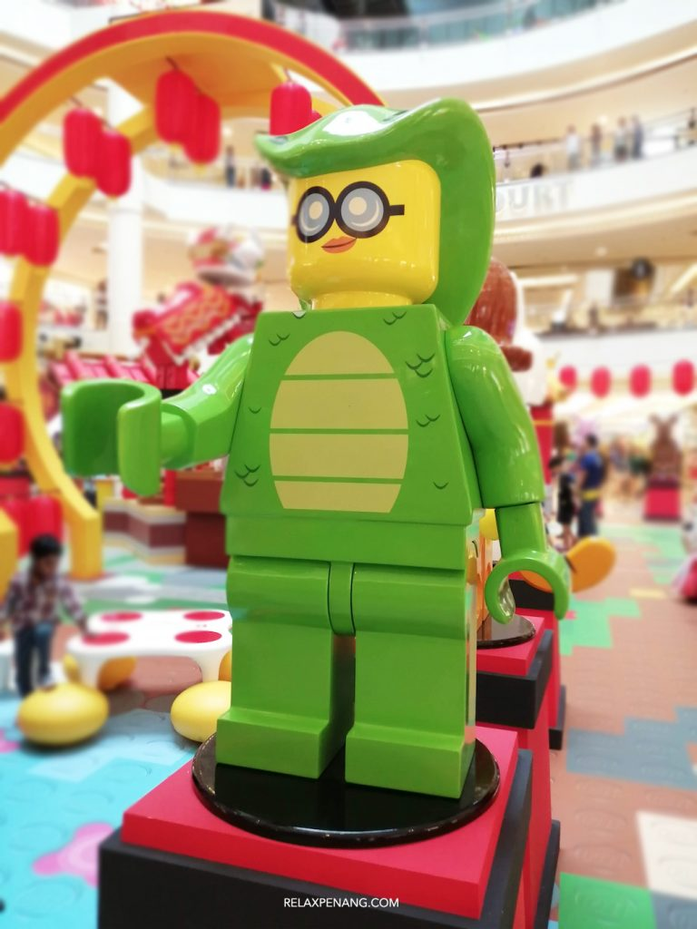 LEGO Lion Dance Snake Minifigure Life Size Chinese New Year Ambient Advertising Decoration